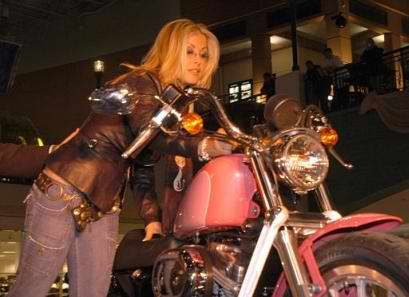 Click for Anastacia & motorcycle