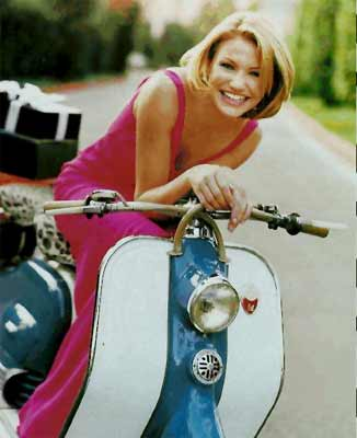 Click for Cameron Diaz & scooter