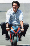 Click for Orlando Bloom & motorcycle